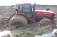tracteur-coincé-dans-la-boue