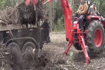 la puissance de l'hydrolique a l'oeuvre sur ce tracteur