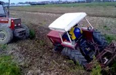 Fiat 466 coincé dans une tranchée