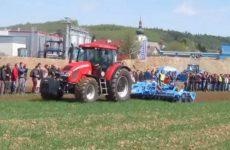 collision lors d'une exposition de tracteurs