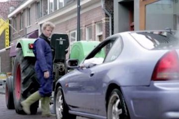 tracteur vs sport car